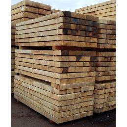 Traverse paysagère en chêne pour bordure de jardin, parterre, mur de soutènement, escalier extérieur etc... 140x240 en 2m60.